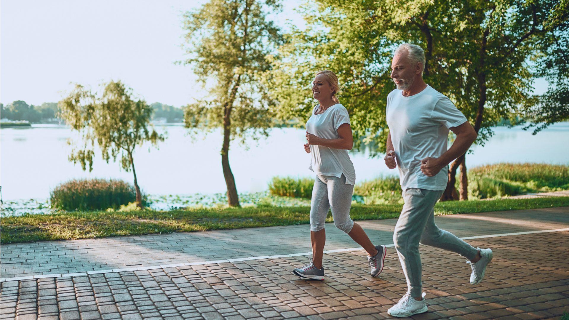 csípőprotézis és térdprotézis beültetés izomátvágás nélkül